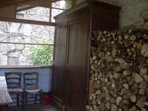 Armadio vecchio legno
