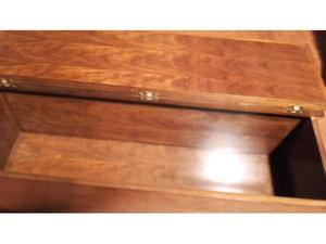 Cassapanca in legno massello noce