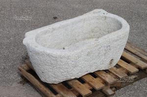 GRANDE VASCA IN PIETRA DI GRANITO cm. 90x49 H 35 N