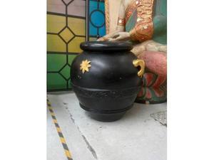Vaso in terracotta di siena nero