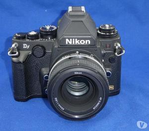 NIKON DF FULL FRAME,  SCATTI, CON OTTICA 50mm f1.8