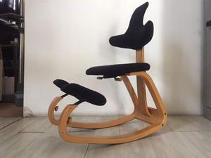 Sedia ergonomica stokke thatsit in tessuto   Posot Class