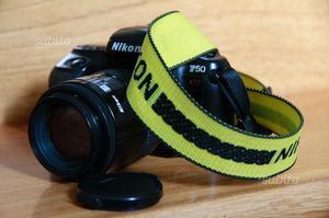 Nikon F 50 + Obiettivo zoom Nikkor  mm
