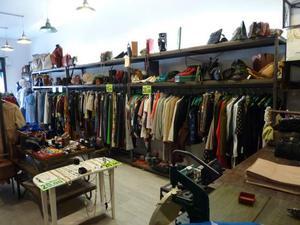 Abbigliamento vintage assortito