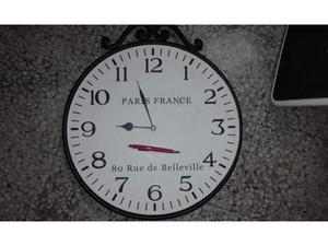 Enorme orologio da parete in metallo - epoca non definita