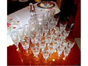 Servizio bicchieri 32 pezzi pari al nuovo