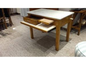 Tavolo in marmo con cassetto e mattarello posot class for Tavolo cucina con cassetto