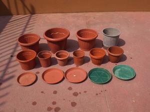 Bloccco completo di vasi e portavasi per fiori