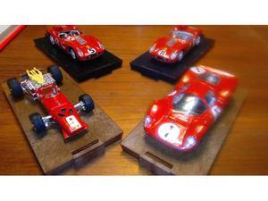 Piccola collezione 4 Ferrari brumm 1/43+ libro Ferrari