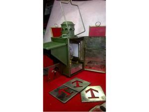 Vecchia lampada ad olio di segnalazione