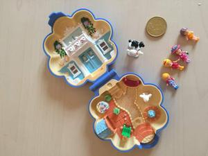Vintage Polly pocket  casa house dog poodle parisian