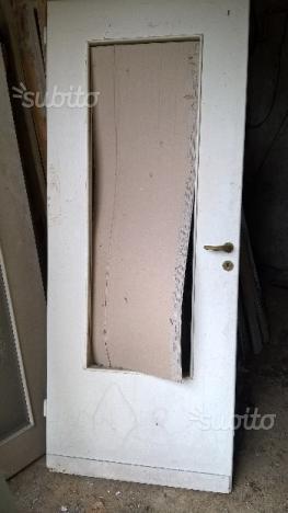 4 porte in legno con telaio