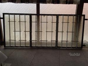 Inferriata in vetro e ferro apribile