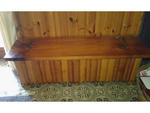 Cassapanca in legno massello