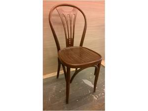 Numerose sedie faggio curvato