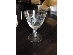 Servizio bicchieri cristallo cesellati + bottiglia e caraffa