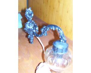 Lampada da muro in metallo e vetro