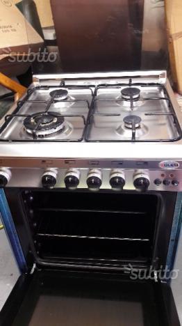 Cucina glem gas a 4 fuochi con forno elettrico posot class - Cucina a gas due fuochi ...