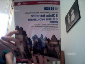 """Libro di scienze """" Il globo terrestre e la sua evo"""