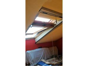 Finestra velux manuale ultimi 10 pezzi posot class for Listino finestre velux 2017
