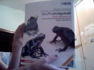"""Libro di scienze """" Biologia.blu PLUS """""""