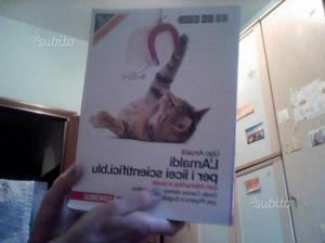 """Libro di scienze """" L'Amaldi 2 """""""