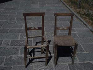 N. 2 sedie antiche in noce massello