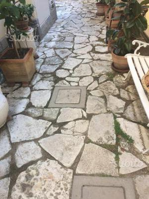 Pavimentazione a pietra per esterno casa