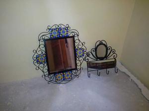 Specchio portaoggetti con luce posot class for Specchio in ferro battuto
