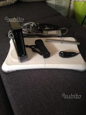 Nintendo Wii con balance e i phone 4