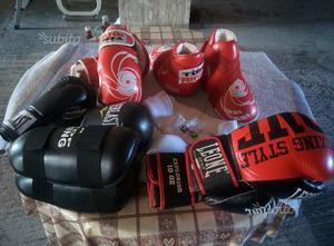 Protezioni abbigliamento Arti Marziali Kick Boxing