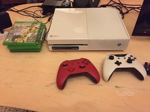 Xbox one +due controller e giochi
