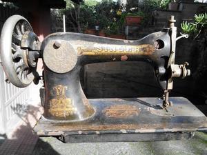 Macchina per cucire meccanica a braccio posot class for Macchina da cucire meccanica