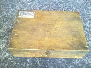 Vecchia cassettina in legno