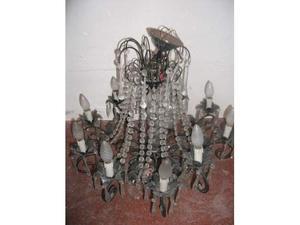 Grande lampadario antico in cristallo