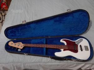 Squier by fender jazz bass
