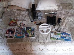 Nintendo Wii con cavi giochi e joystick