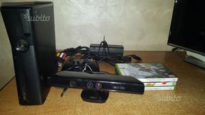 Xbox 360 slim 4 GB con Kinect e giochi