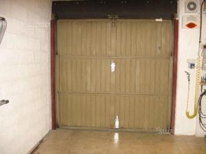 Portone garage basculante