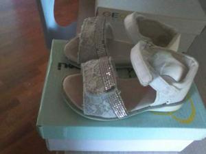 Scarpe sandali da bambina carillon numero 22 posot class - Carillon portagioie bambina ...