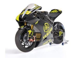 Minichamps Valentino Rossi Yamaha  Test Sepang