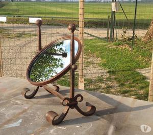 specchio rotondo in ferro battuto da tavolo