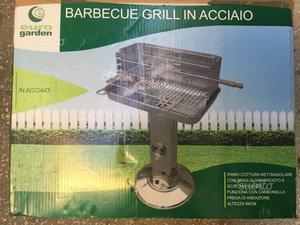 Barbecue nuovo in acciao mai usato. A.FFARE