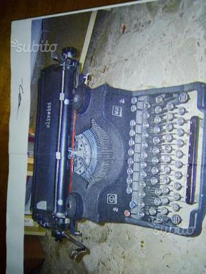 Macchina da scrivere olivetti M40