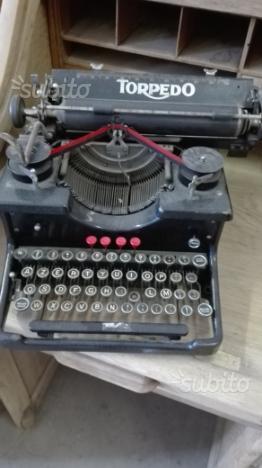 Macchina da scrivere vintage anni50