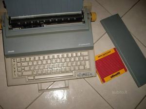 Olivetti macchina da scrivere elettrica 30 euro