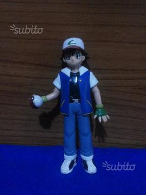 Pokémon Ash e Team Rocket action figures