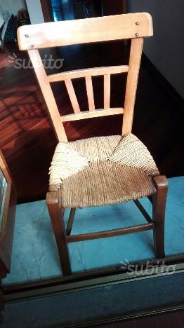 Sedia antica in legno