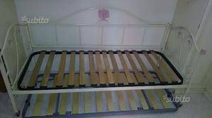 Divano in ferro battuto posot class for Divano letto in ferro battuto ikea
