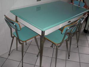 Tavolo cucina anni 60 in formica con 4 sedie
